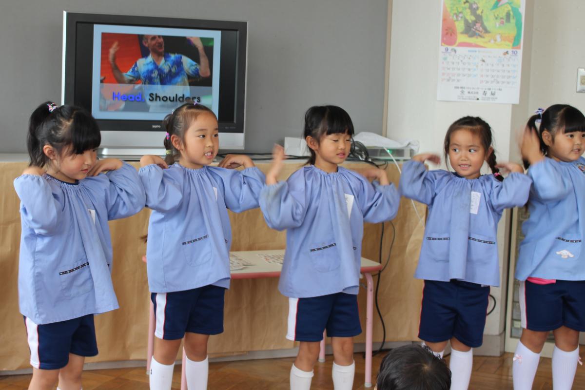 英語教室の様子(5才児)