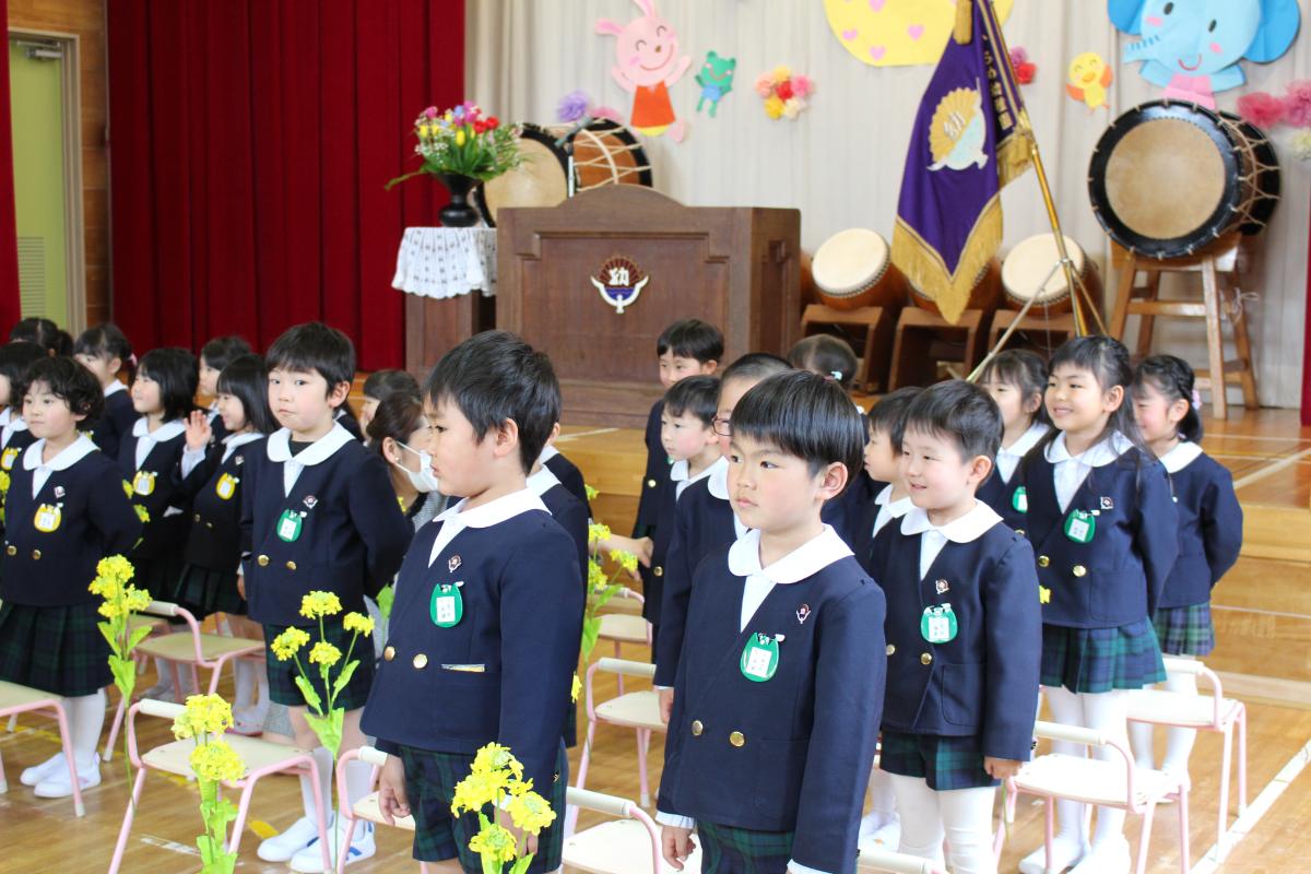 始業式に参加する5才児の様子